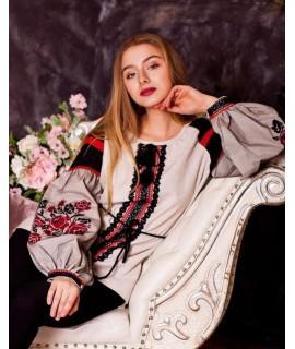 Жіноча вишиванка Троянда