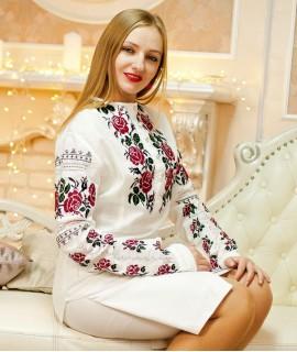 Женская вышиванка Розы (ручная вышивка)